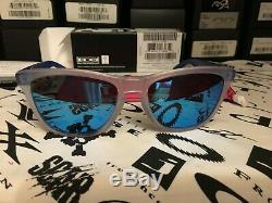 Oakley Frogskins COLOURBLOCK, SAPPHIRE, 4TH GEN, RARE MINT AND COMPLETE