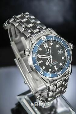 Omega Seamaster Professional James Bond''Man In Red'' 41 mm Very Rare 2221